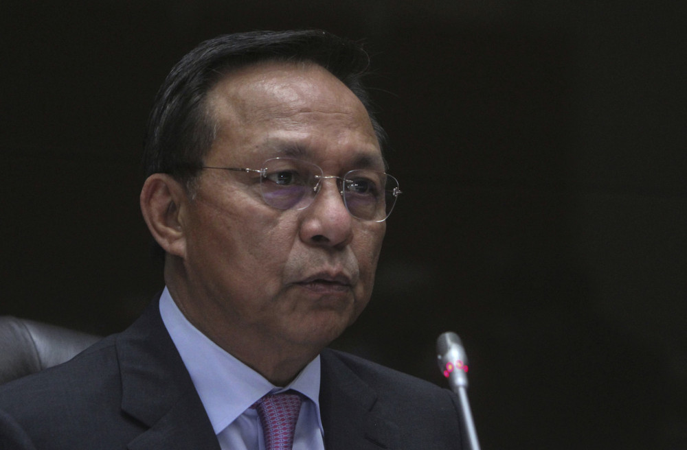 Johor Mentri Besar Datuk Hasni Mohammad said the reopening of the border was an ongoing agenda of the state government and that it would ensure that those involved in crossing the border from Johor, like workers, received the Covid-19 vaccine. — Bernama pic