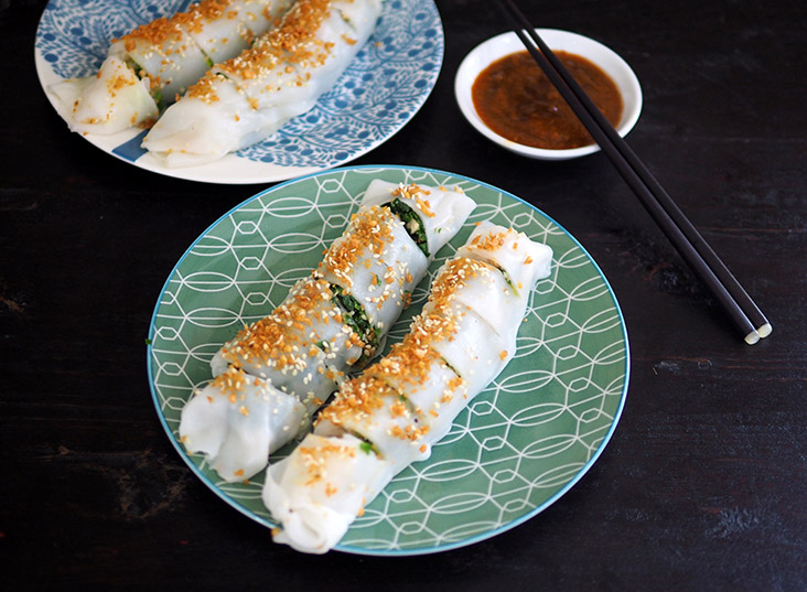 This stall makes 'choy ban cheong fun' using rice flour sheets to create the stuffed vegetable rolls