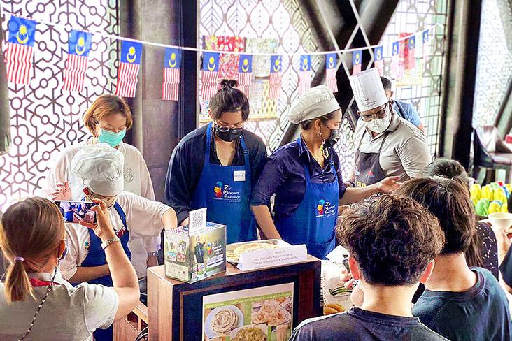 The inaugural Penang Street Food Festival in Bangkok drew fans of Malaysian delicacies.