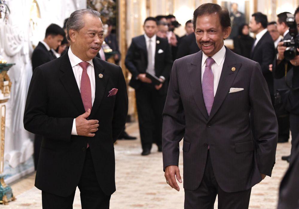Prime Minister Tan Sri Muhyiddin Yassin with Sultan of Brunei Sultan Hassanal Bolkiah at Istana Nurul Iman in Bandar Seri Begawan April 5, 2021. — Bernama pic