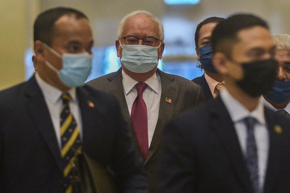 Former prime minister Datuk Seri Najib Razak arrives at the Court of Appeal in Putrajaya April 8, 2021. ― Picture by Miera Zulyana