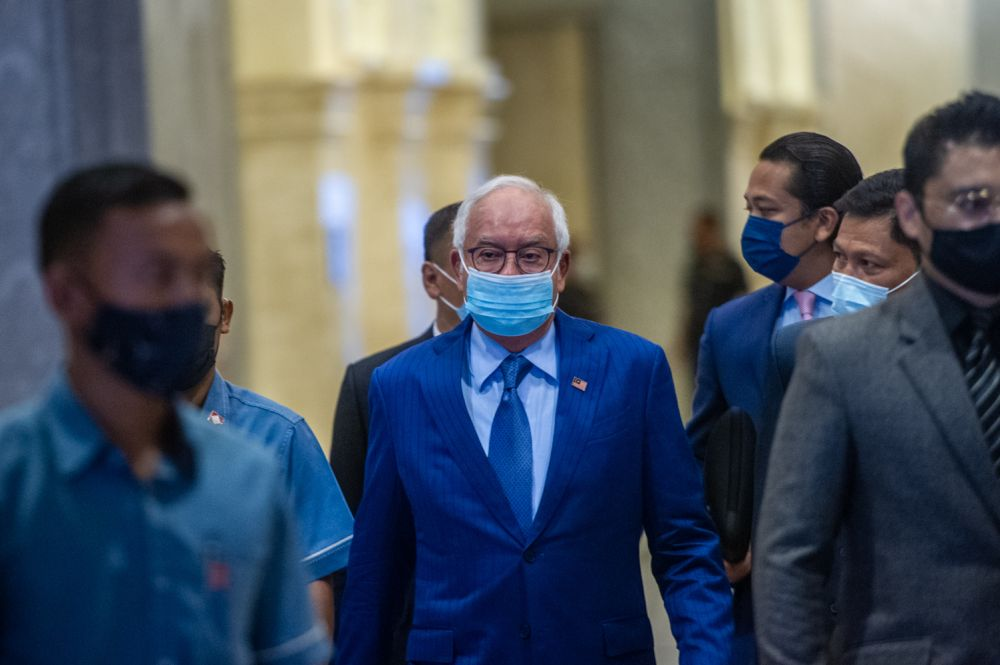 Datuk Seri Najib Razak arrives at the Court of Appeal, Putrajaya April 12, 2021. — Picture by Shafwan Zaidon