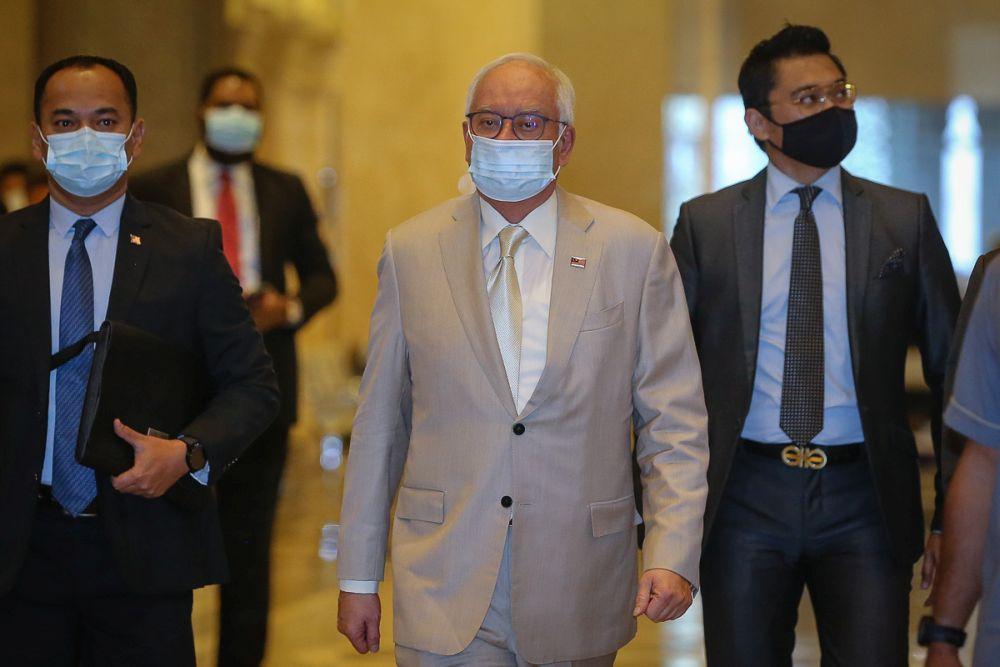 Datuk Seri Najib Razak arrives at the Court of Appeal in Putrajaya April 20, 2021. — Picture by Yusof Mat Isa