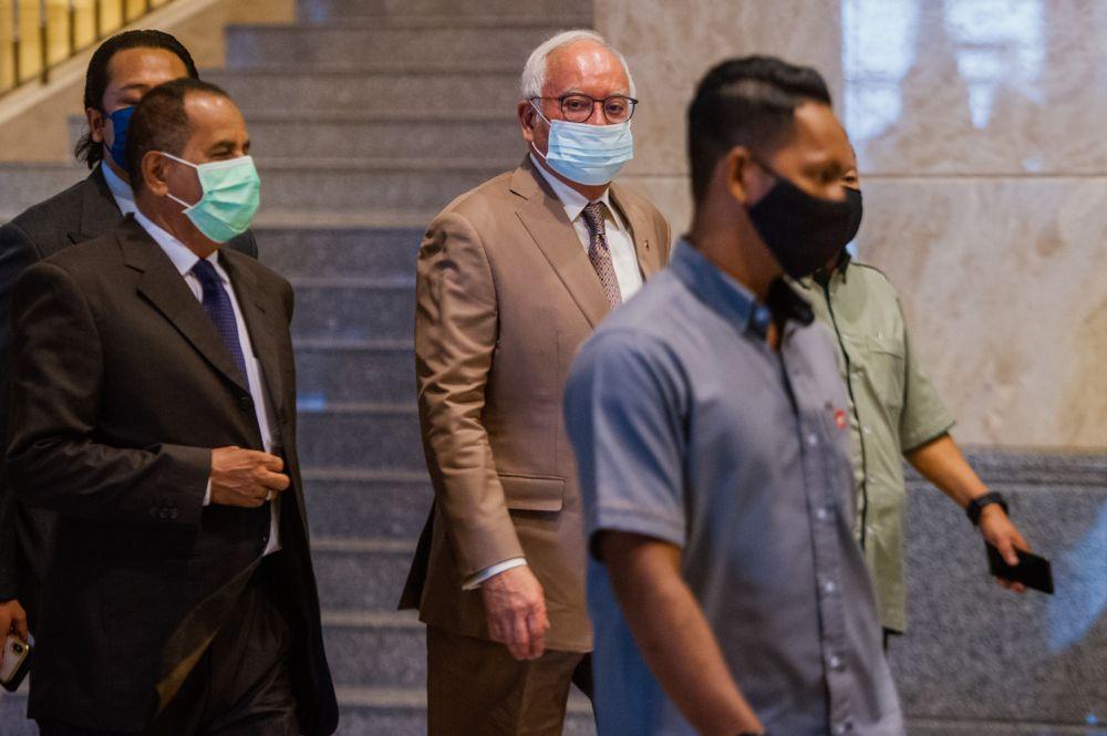 Datuk Seri Najib Tun Razak arrives at the Court of Appeal, Putrajaya on April 5, 2021. — Picture by Shafwan Zaidon