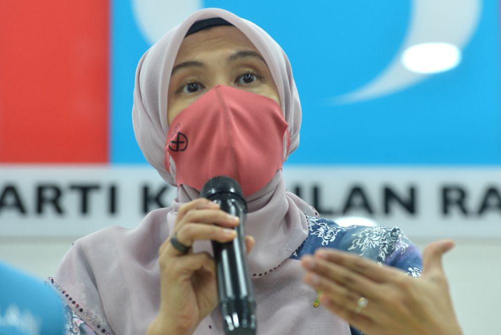 PKR deputy president Nurul Izzah Anwar speaks during a press conference in Petaling Jaya April 19, 2021. — Picture by Miera Zulyana