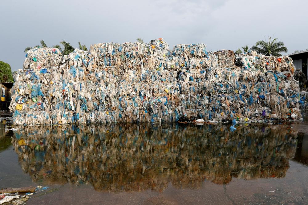 [Image: plastic_waste_06042021.JPG]