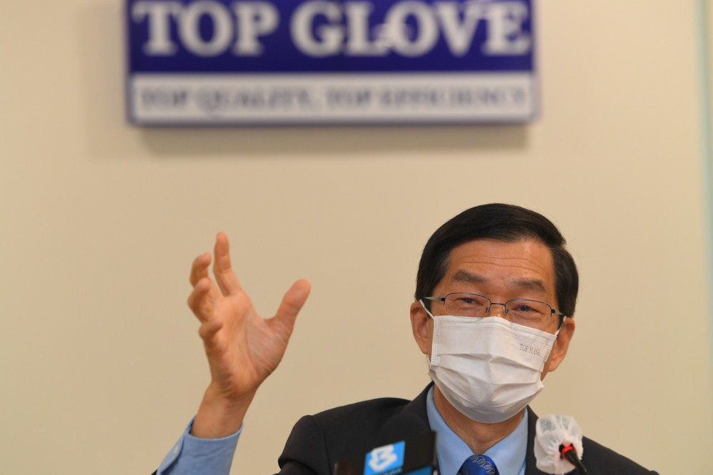 Top Glove Managing Director Datuk Lee Kim Meow at a press conference after the media walkabout session in Setia Alam, April 16, 2021. — Bernama