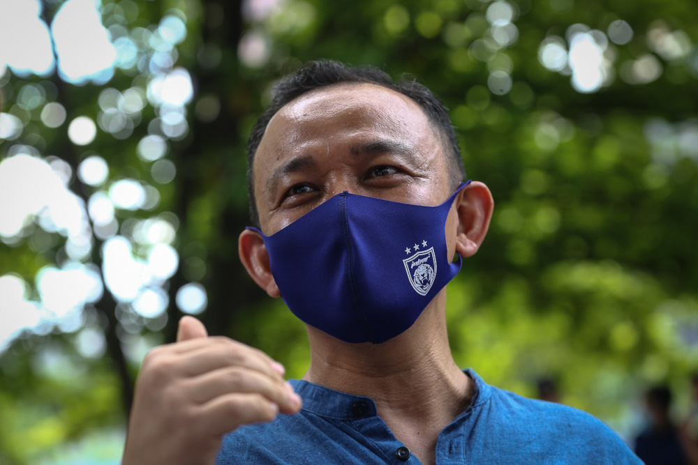 Maszlee Malik speaks to reporters outside the Dang Wangi District Police headquarters in Kuala Lumpur April 4, 2021. — Picture by Yusof Mat Isa