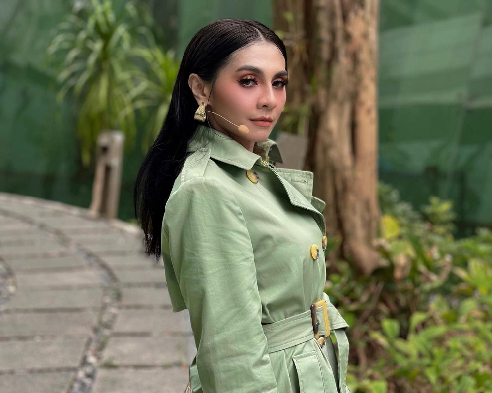 Malaysian singer Zizi Kirana will not give away her old sexy clothes as she does not want people to commit sins. ― Picture via Instagram/ zizi_kirana