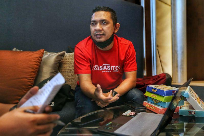 Member of the Malaysian Angkasawan Programme, Awang Shahrizan Awang Abu Bakar talks about debunking space myths and preparing for space. — Picture by Ahmad Zamzahuri