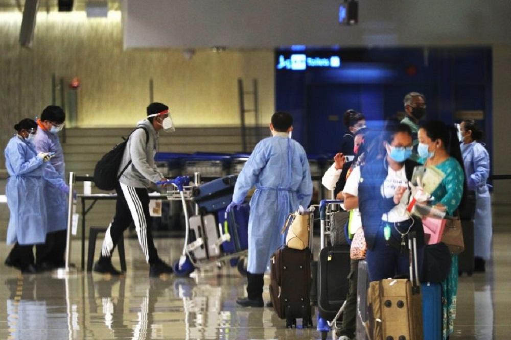 樟宜机场第1及第3航厦出现的确诊案例后,所有员工都将接受检测。-图取自联合早报-