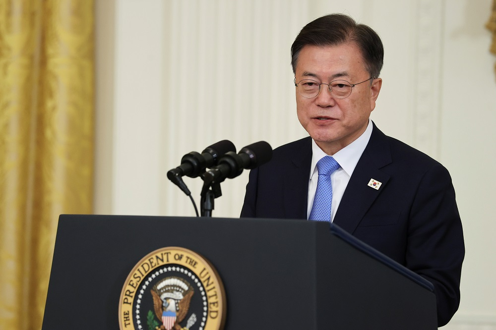 S.Korea's Moon Jae-in has ordered an investigation into sexual harassment claims of a navy sergeant who had apparently committed suicide. — Reuters pic