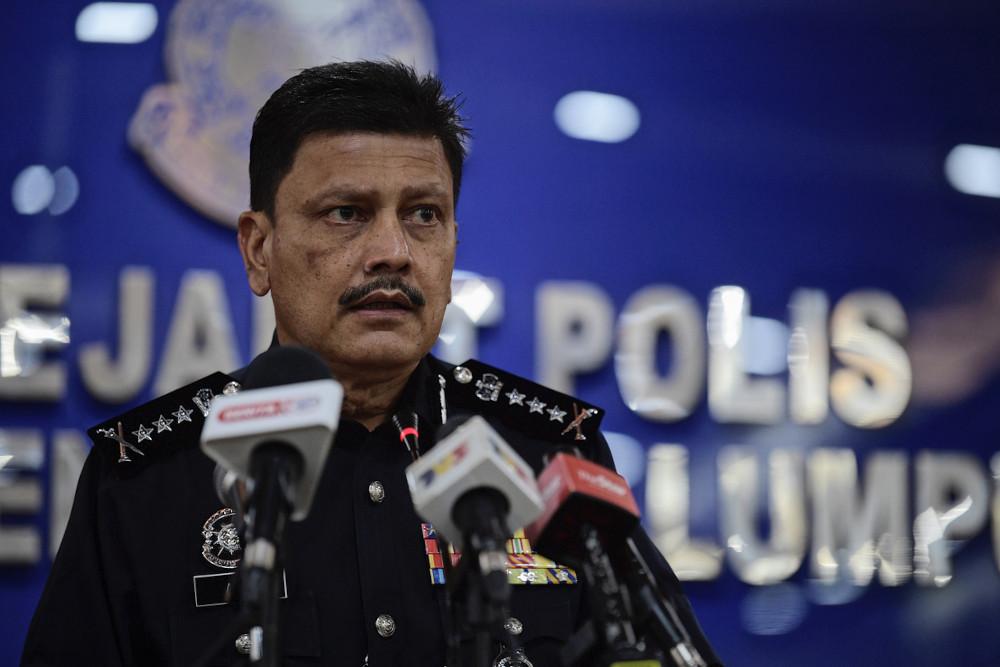 Kuala Lumpur police chief Datuk Azmi Abu Kassim speaks to the media at the Kuala Lumpur Contingent Police Headquarters, May 5, 2021.— Bernama pic