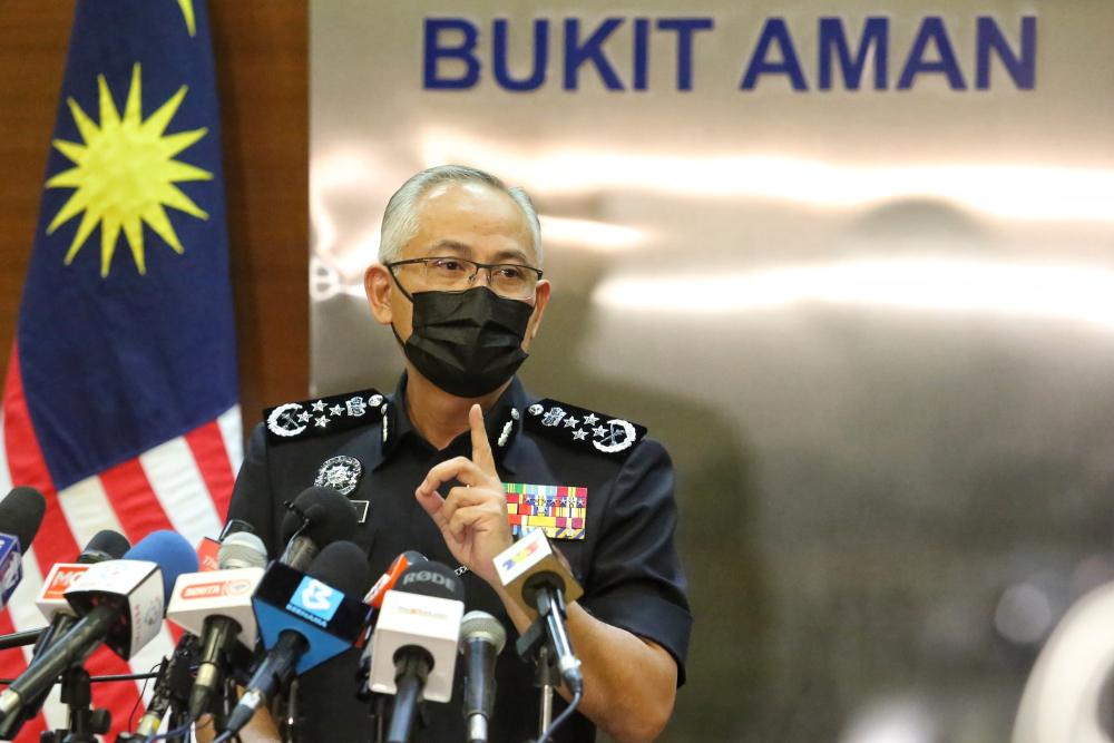 IGP Datuk Seri Acryl Sani Abdullah Sani 表示,不应有不必要的恐慌,因为武装部队将确保国家安全保持在安全水平,并加强监控以确保人民的福祉得到维护。  — 图片来自 Choo Choy May