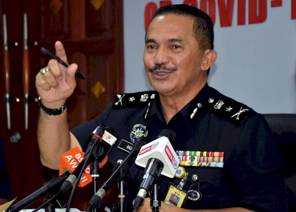 Melaka Deputy Chief of Police SAC Razali Abu Samah speaking during a press conference, May 10, 2021. — Bernama pic