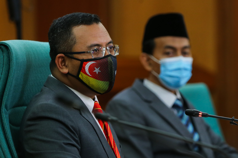 Selangor Mentri Besar Datuk Seri Amirudin Shari said the fund will be mobilised for 10 days beginning today in collaboration with NGO outfit, Global Peace Mission Malaysia as an effort by the state government in expressing its solidarity with the Palestinian people. — Picture by Yusof Mat Isa