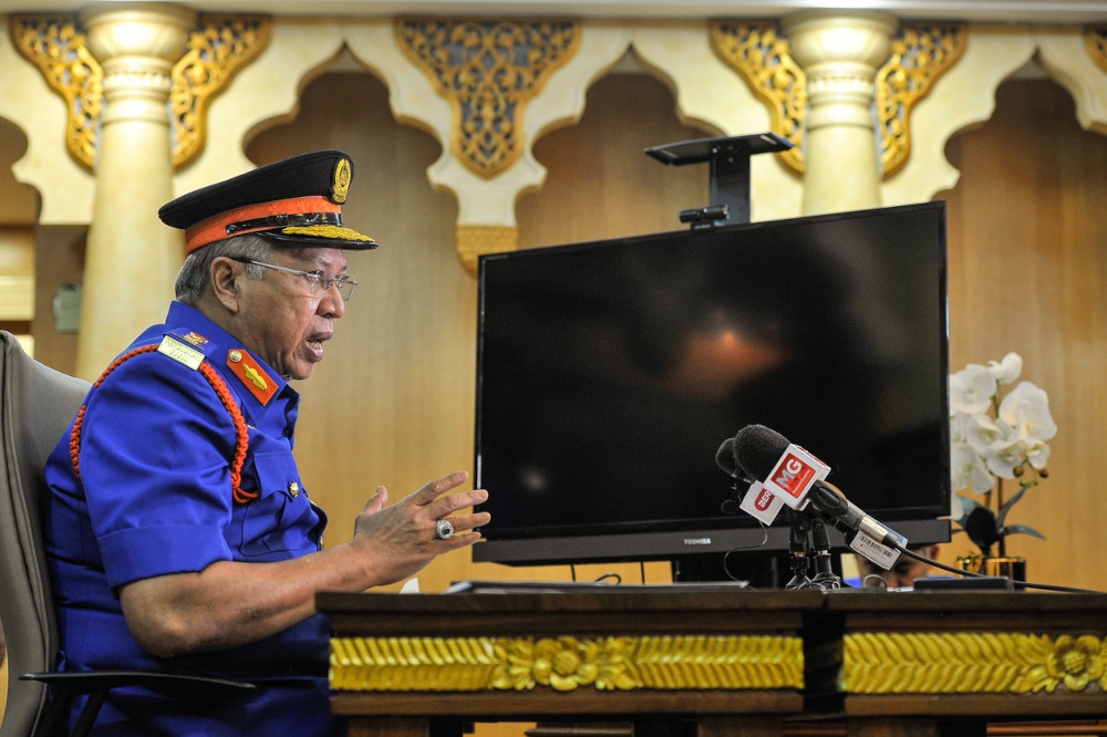FT Minister Tan Sri Annuar Musa speaks during a special press conference regarding the Federal Territories movement control order (MCO) at Kuala Lumpur City Hall Tower (DBKL), May 6, 2021. — Bernama pic