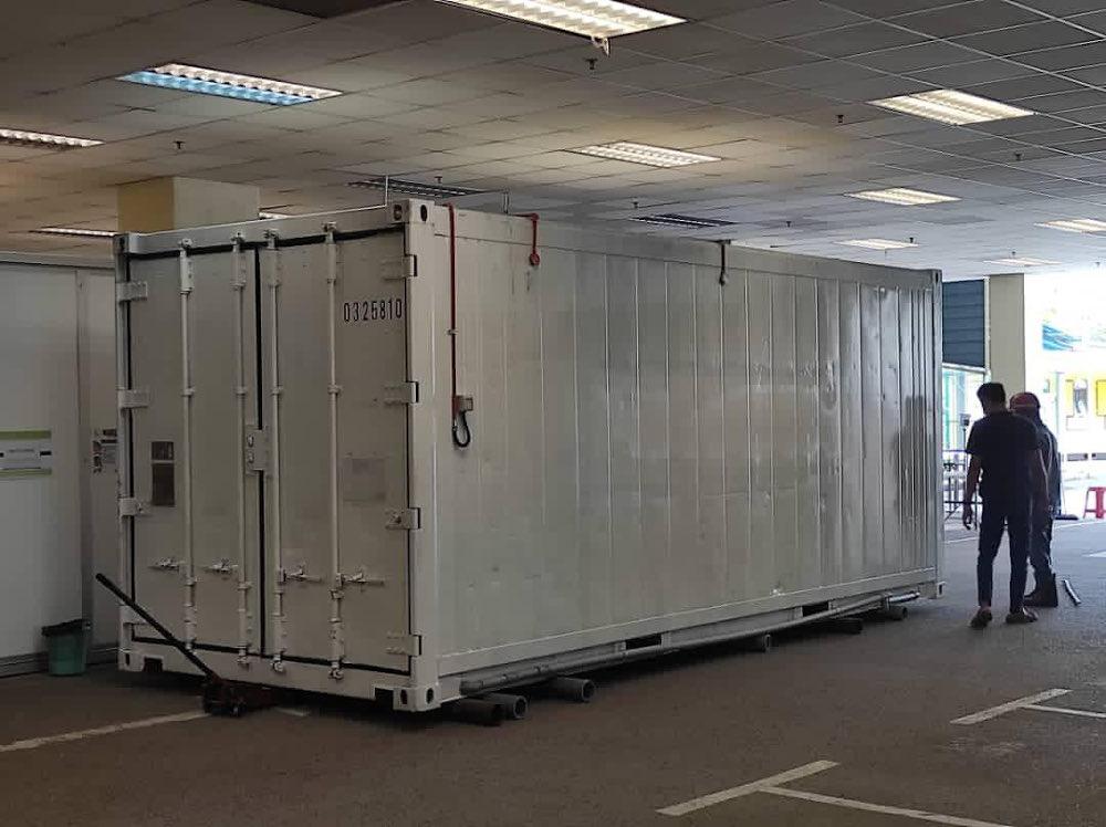 卫生部指新冠病毒死者不断增加,双溪毛糯已经准备使用货柜停尸房。-图取自卫生部推特-