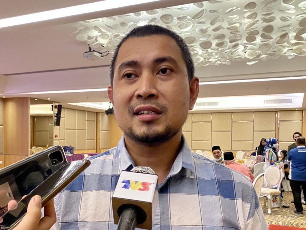 Johor Bersatu secretary Datuk Dr Sahruddin Jamal said the party together with PAS and Gerakan are prepared to contest the 15th general election under Perikatan Nasional without Umno. — Picture by Ben Tan