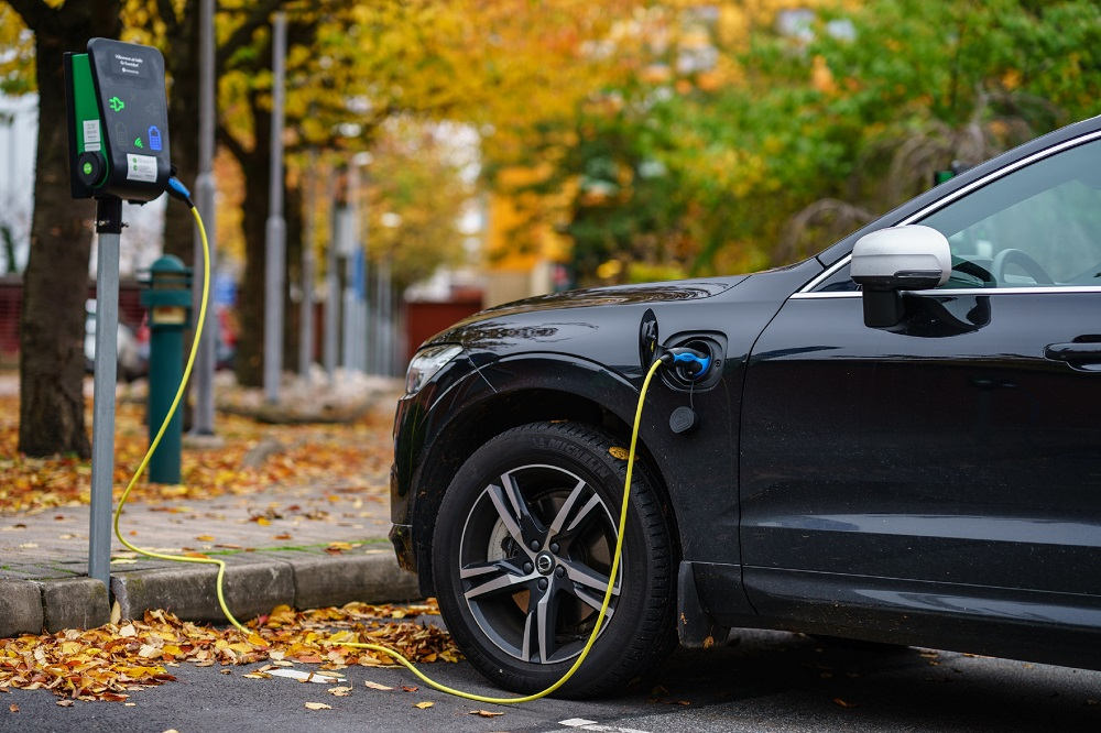 The price of electric vehicles, one of the main obstacles when it comes to consumers making the switch, should fall in the coming years. ― iStock.com via ETX Studio