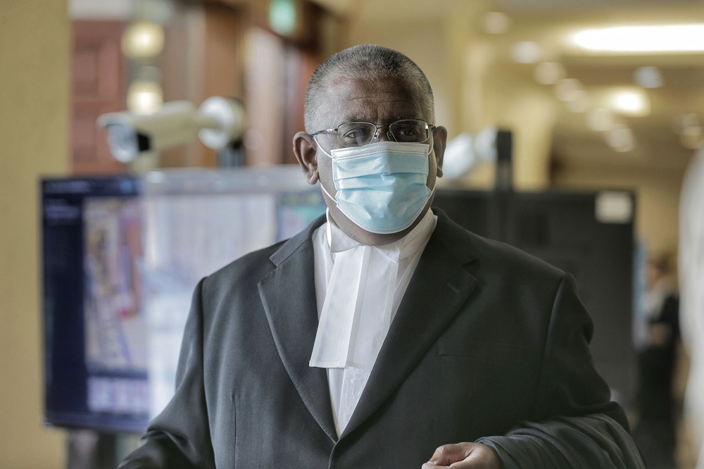Lawyer R. Kengadharan is pictured at the Kuala Lumpur High Court May 7, 2021. ― Picture by Ahmad Zamzahuri