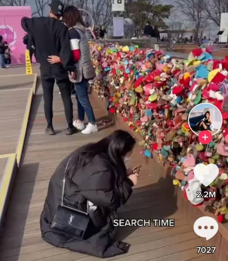 Kassie Yeung travelled more than 9,000 kilometers from California to South Korea to remove a love lock. — TikTok screenshot