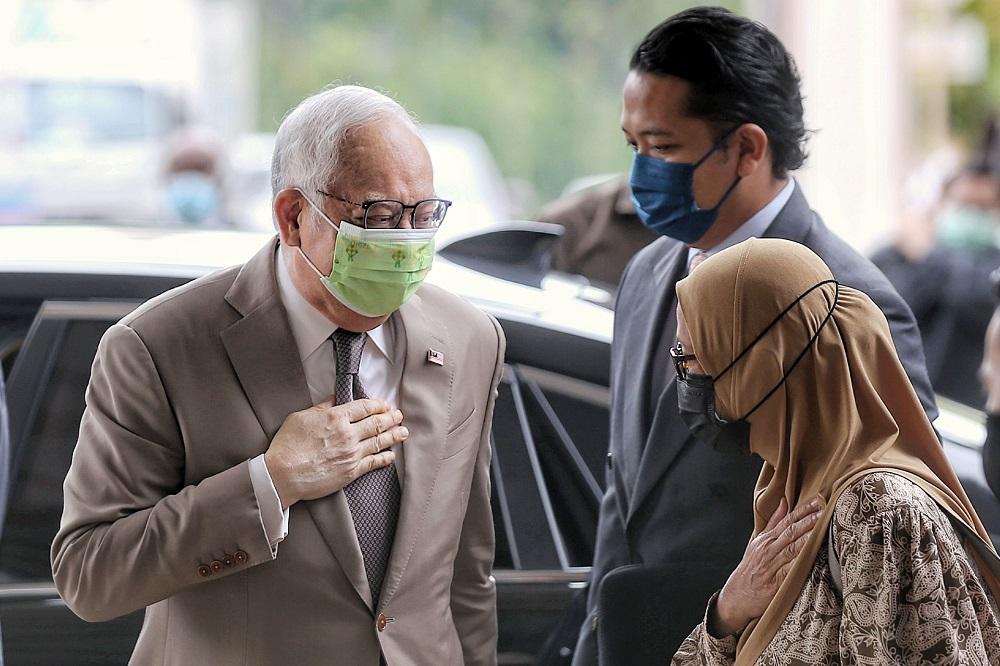 Datuk Seri Najib Razak is pictured at the Kuala Lumpur High Court May 19, 2021. ― Picture by Ahmad Zamzahuri