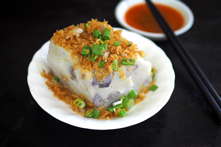Their yam cake comes with chunks of yam and is topped with dried fried shrimp