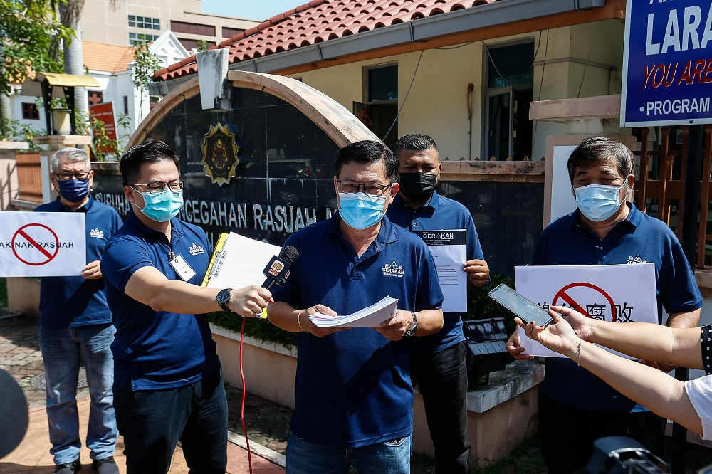 Penang Gerakan complaints bureau chief H'ng Khoon Leng speaks to reporters in George Town May 4, 2021. ― Picture by Sayuti Zainudin