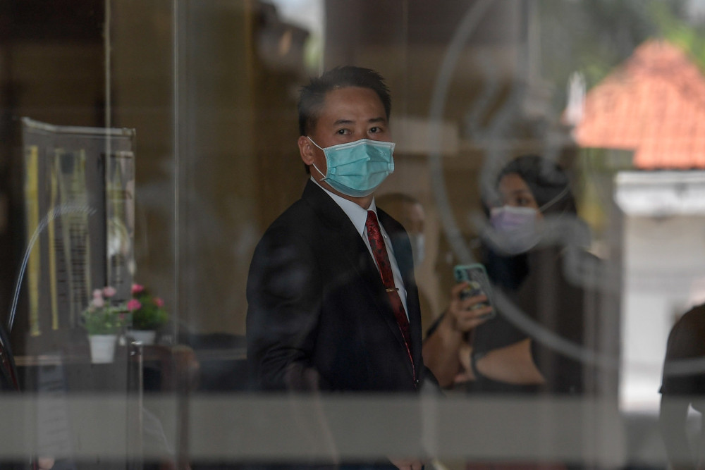 Former Sabah Infrastructure Development Minister Datuk Peter Anthony at the Kuala Lumpur Sessions Court, May 4, 2021. — Bernama pic