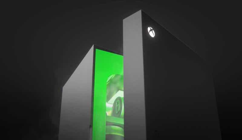 Microsoft will be selling the Xbox mini fridge this upcoming holiday season. — Picture via SoyaCincau