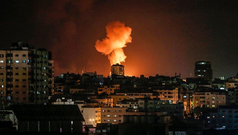 巴勒斯坦自治区的武装分子周二对以色列南部发射燃烧弹气球后,以色列空军接着对加沙地带发动空袭。-法新社-