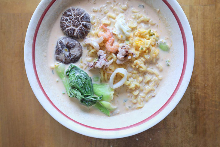 For more flavourful instant noodles, try this 'creamy, creamy' ramen hack. – Pictures by CK Lim
