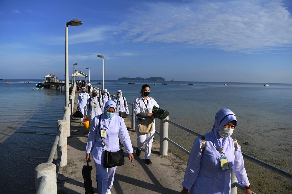 Health personnel arrive at Tioman Island administer Covid -19 vaccine shots for over 90 residents of Kampung Salang, June 29, 2021. ― Bernama pic