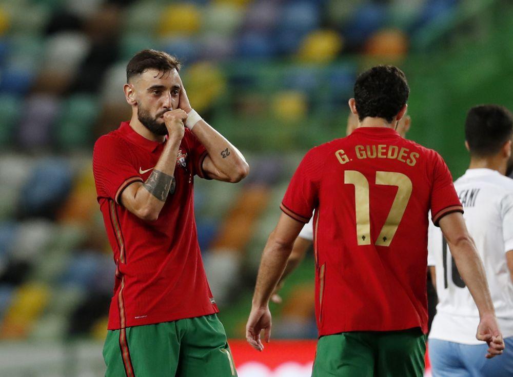 Bruno Fernandes, de Portugal, comemora seu quarto gol contra Israel no Estádio Jose Alvalad, em Lisboa, em 9 de junho de 2021. - Reuters Photo