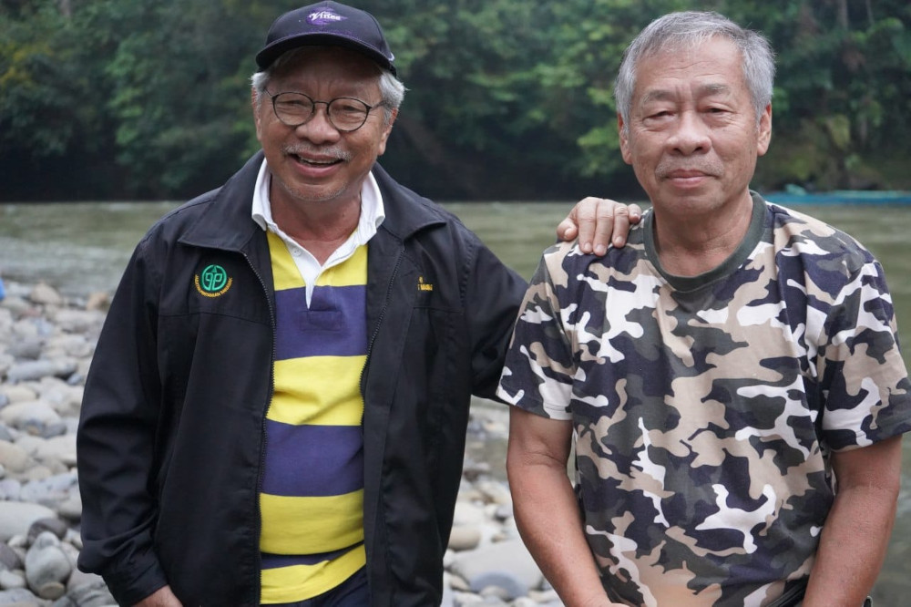 The last picture taken of Masing (left) and his brother, Jantai, at Rantau Penora. — Picture from YB Tan Sri Datuk James Masing's Facebook page via Borneo Post Online