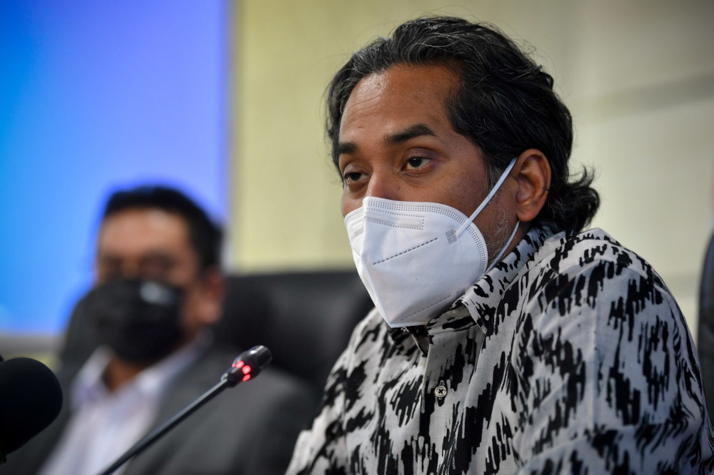 Khairy Jamaluddin who is also the coordinating minister for the National Covid-19 Immunisation Programme (NIP) said that the government will hold bilateral talks with its northern 'good neighbour' to continue supplying Malaysia the much needed vaccines. — Bernama pic