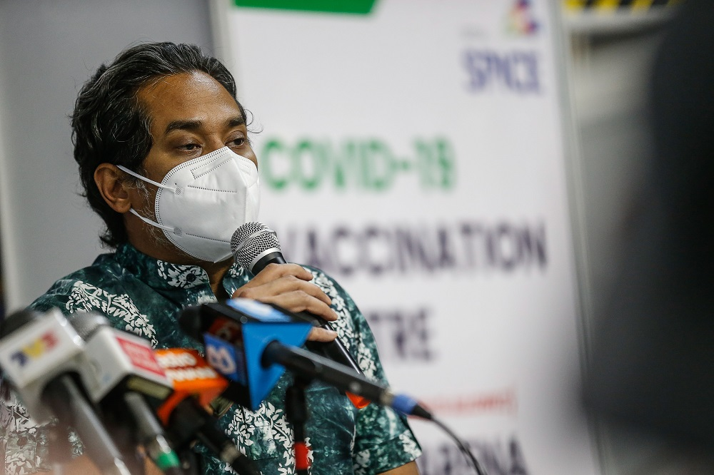 According to data obtained from the national Covid-19 Immunisation Task Force, Khairy said Selangor received a total of 1,367,306 vaccine doses — comprising Pfizer-BioNtech, Sinovac and AstraZeneca — on June 27 and still has a total of 322,606 vaccines in reserve. ― Picture by Sayuti Zainudin
