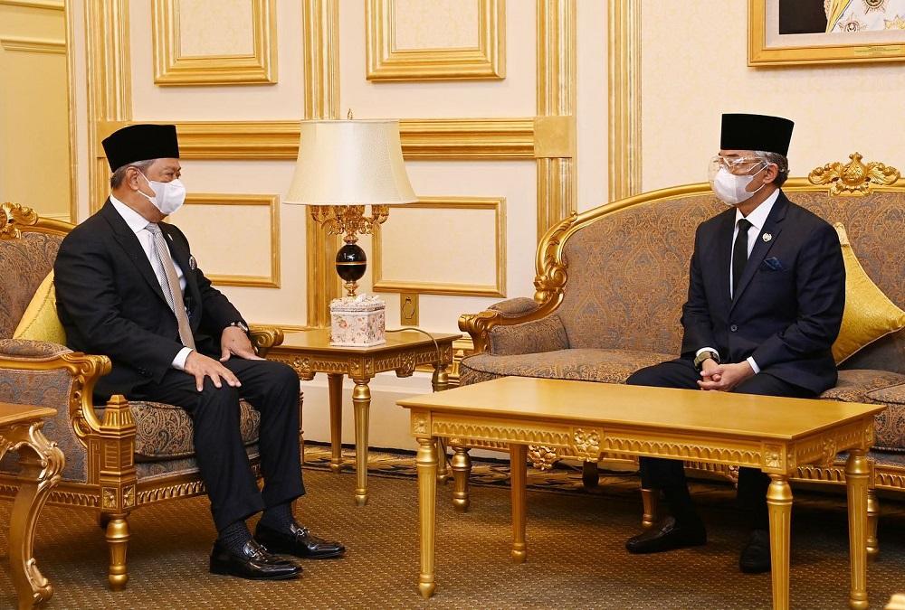 Prime Minister Tan Sri Muhyiddin Yassin has an audience with Yang di-Pertuan Agong Al-Sultan Abdullah Ri'ayatuddin Al-Mustafa Billah Shah at Istana Negara June 9, 2021. ― Picture via Facebook/Istana Negara