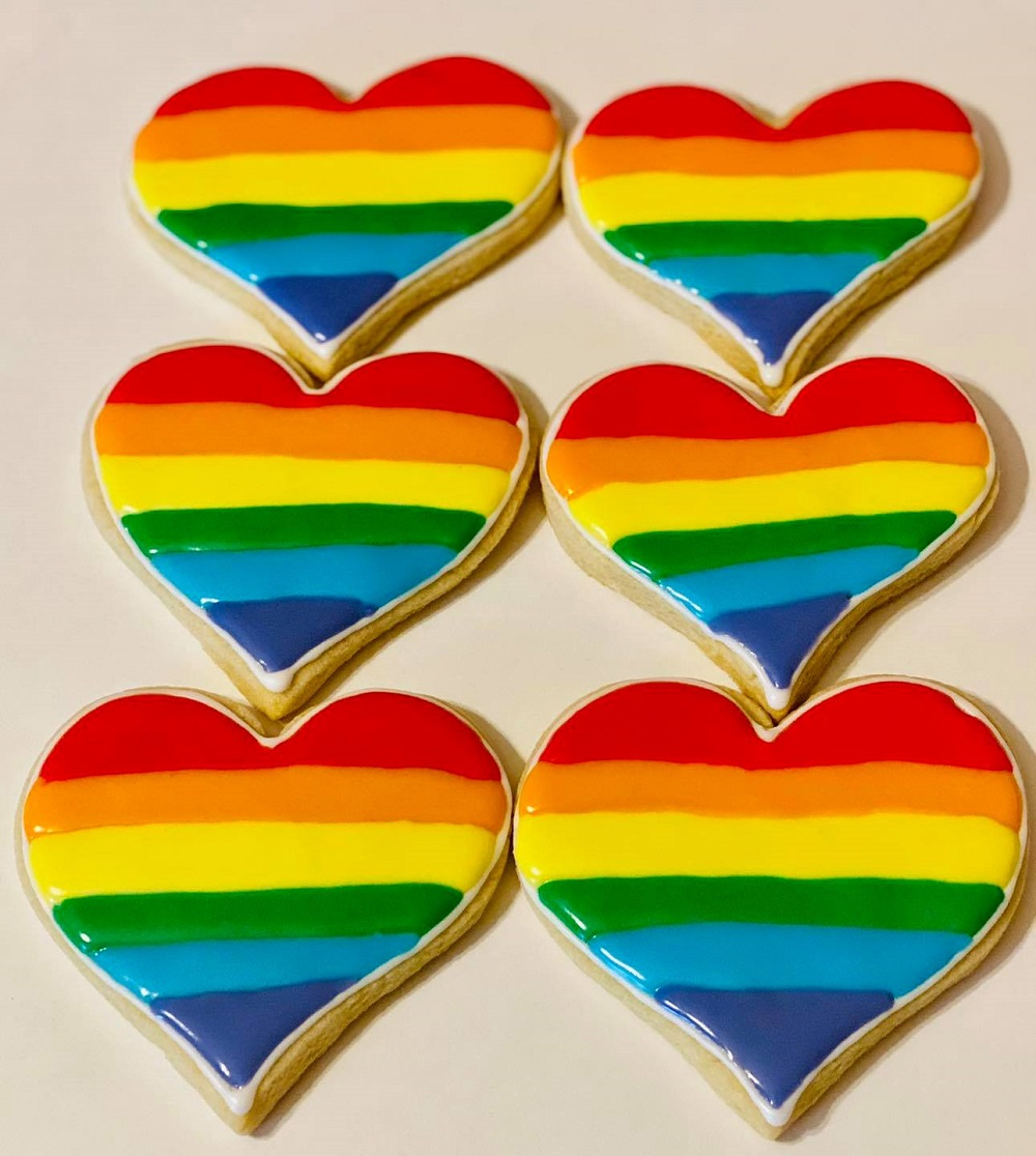 For Pride Month, a Texas baker wanted to show her support for the LGBT community by selling heart-shaped rainbow cookies. ― Picture via Facebook