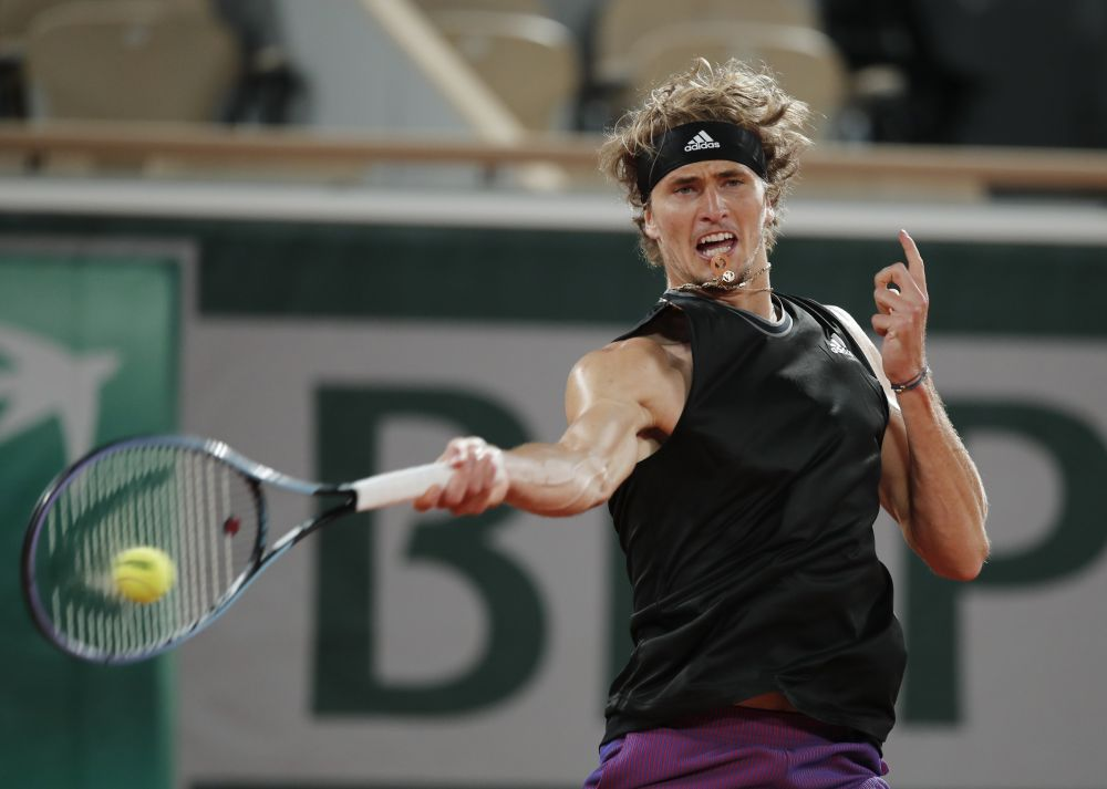 Along with Zverev and Federer, top seeds Daniil Medvedev, Roberto Bautista Agut, David Goffin and Gael Monfils also all failed to get past the second round in Halle. — Reuters pic