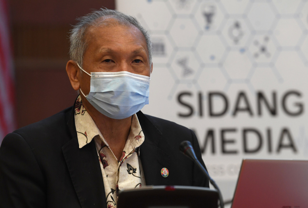 Datuk Dr Chong Chee Kheong, who heads the special Greater Klang Valley Task Force which was formed recently to make quick decisions for Covid-19 cases, said that the decision was made following a tremendous increase in cases of between 4,000 to 6,000 daily in the Klang Valley. — Bernama pic