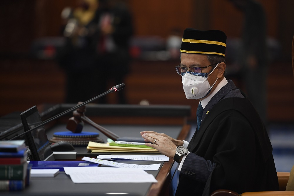 Speaker Datuk Azhar Azizan Harun issued a statement this evening 'staunchly' denying the allegation. He claimed no such application had been made as suggested by the report. — Bernama pic