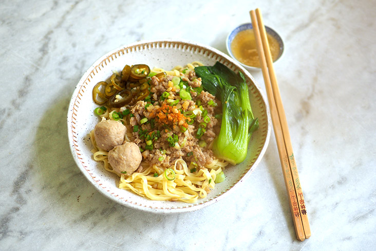Comfort in a bowl: Hakkaseng is all about 'al dente' noodles served with a juicy pork mince — Pictures by Lee Khang Yi
