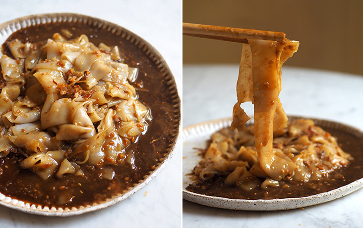 A must-eat when you visit this coffeeshop is their prawn paste 'chee cheong fun' (left). The smooth rice noodle sheets have a slight chewy texture that is delicious when paired with the pungent prawn paste sauce (right).