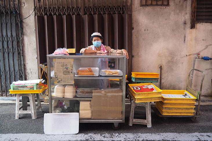Support Madam Wong's stall hidden within this back lane just off Jalan Yap Ah Loy