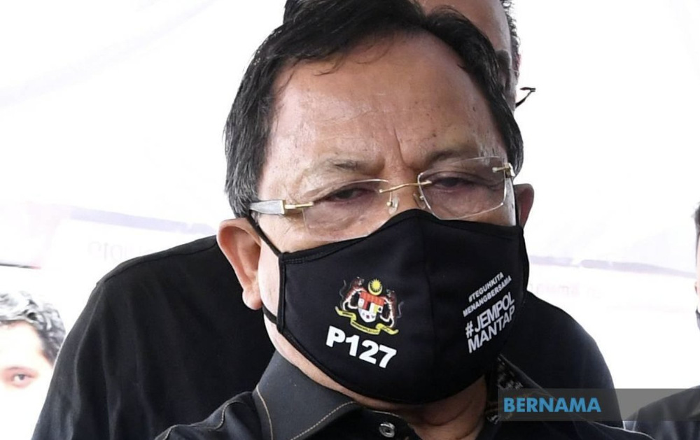 Jasin MP Datuk Seri Ahmad Hamzah said a total of 4,400 food baskets worth more than RM80 each had been distributed to the affected people in his parliamentary constituency. — Picture via Twitter/bernama