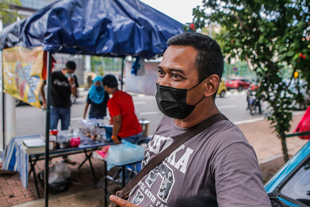 Drink seller Remy Iskandar Sulaiman, 43, speaks to Malay Mail during an interview at UTC Sentul July 2, 2020. — Picture by Hari Anggara