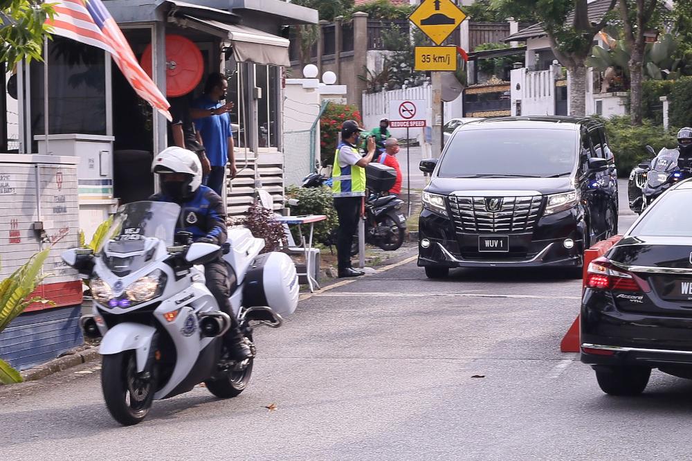 Deputy Prime Minister Datuk Seri Ismail Sabri's vehicle is pictured leaving Prime Minister Tan Sri Muhyiddin Yassin's house in Bukit Damansara July 29, 2021. — Picture by Ahmad Zamzahuri