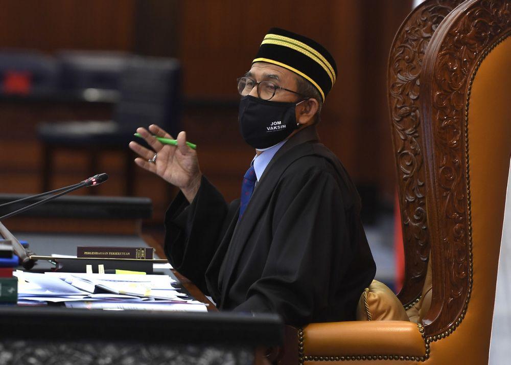 Deputy Speaker Datuk Mohd Rashid Hadnon speaks during a special Parliament sitting in Dewan Rakyat, Kuala Lumpur July 27, 2021. — Bernama pic